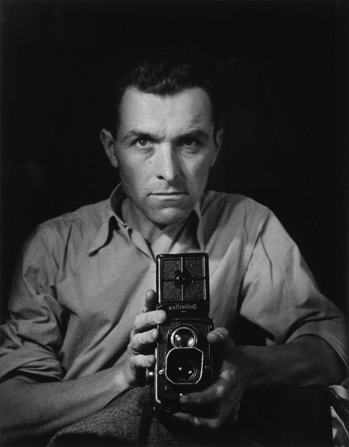 autorretrato-con-rolleiflex-1947